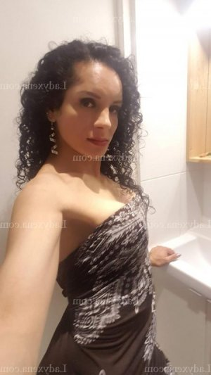 Geena plan cul massage naturiste escorte